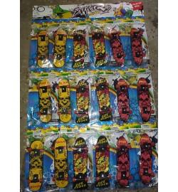 Игра фингер скейт 2010-1G 10см, в кульке (18 шт), 3 вида, на листе 28-43,5-1,5см пальчиковый скейт