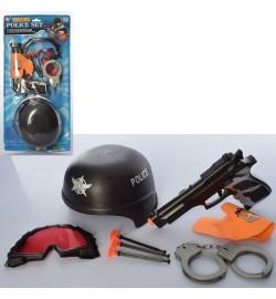 Набор с оружием 13-7 (36шт) полицейский,каска,пистолет,наручники,пули-присоски,на листе,25-52-10см